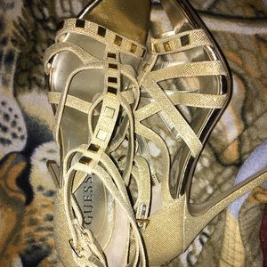 Guess heels 4 inch. Very classy. Brand new.